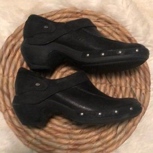 Merrell Black Leather Studded Clogs